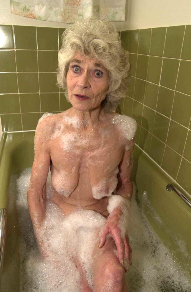 Эротические фото старых бабушек 4 фотография