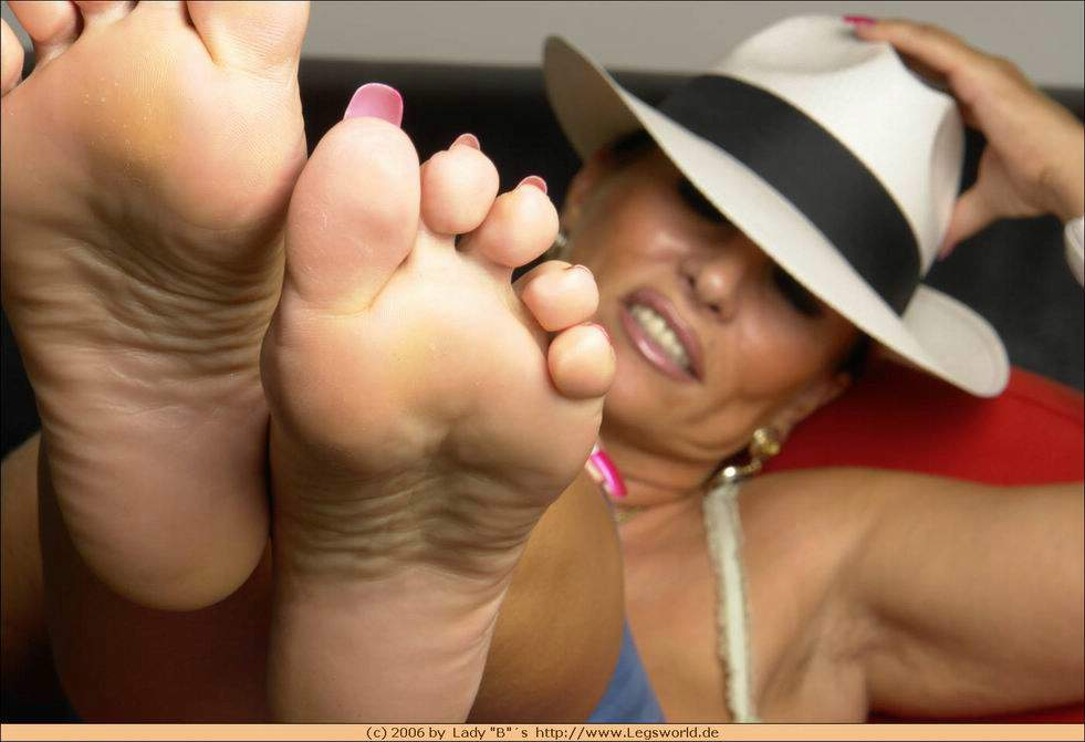 Lady barbara feet fetish